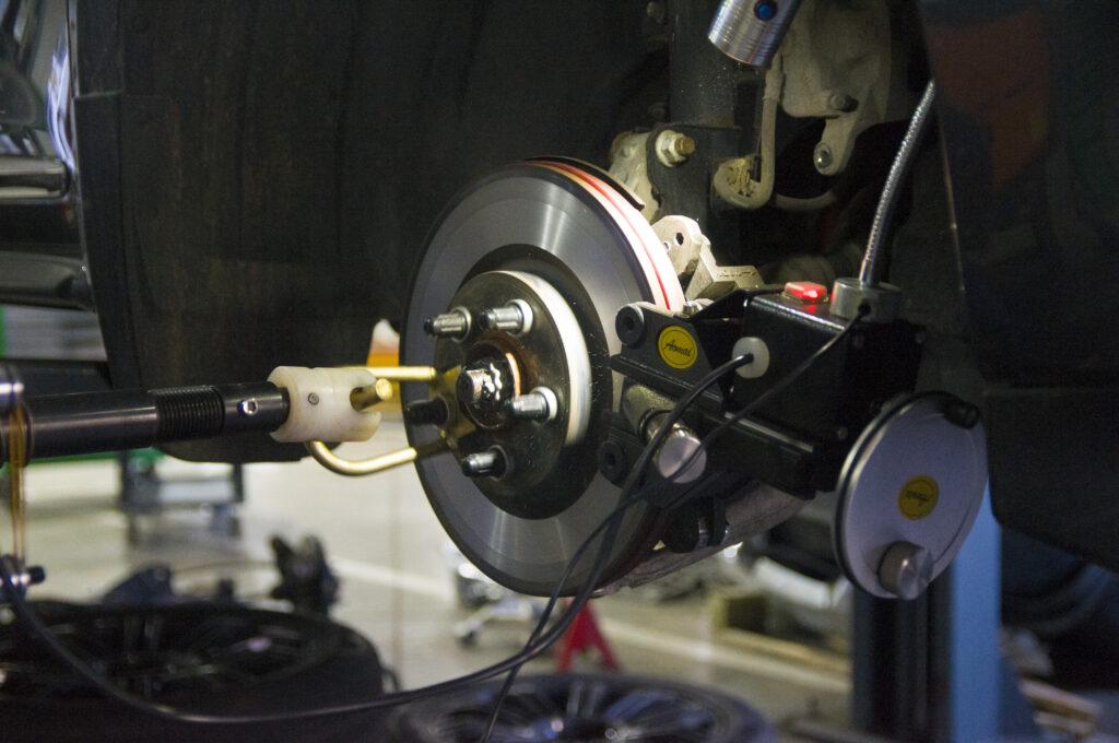 Проточка дисков на современном оборудовании в СТО Элькарс